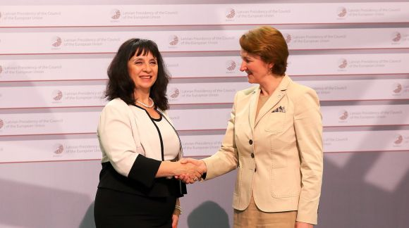 From left to right: Ms Vanya Kastreva-Monova, Deputy Minister of Education and Science of Bulgaria; Ms Mārīte Seile, Latvian Minister for Education and Science. Photo: EU2015.LV
