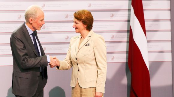 From left to right: Mr Michel Servoz, Director General; Ms Mārīte Seile, Latvian Minister for Education and Science. Photo: EU2015.LV