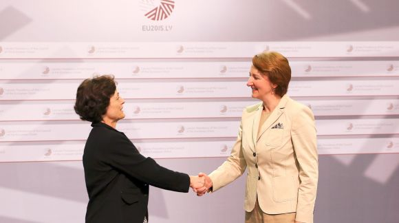 From left to right: Ms Liliane Volozinskis, UEAPME's director for social affairs and employment policy; Ms Mārīte Seile, Latvian Minister for Education and Science. Photo: EU2015.LV