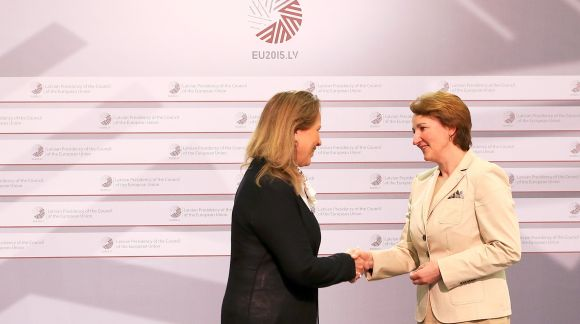 From left to right: Ms Ásta Magnúsdóttir, Permanent Secretary, Ministry of Education, Science and Culture of Iceland; Ms Mārīte Seile, Latvian Minister for Education and Science. Photo: EU2015.LV