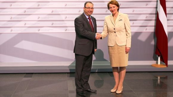From left to right: Mr Silvio De Bono, MCAST President of Board of Governors; Ms Mārīte Seile, Latvian Minister for Education and Science. Photo: EU2015.LV