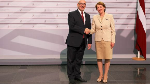 From left to right: Dr Roko Andričević, Deputy Minister, Ministry of Science, Education and Sports of Croatia; Ms Mārīte Seile, Latvian Minister for Education and Science. Photo: EU2015.LV